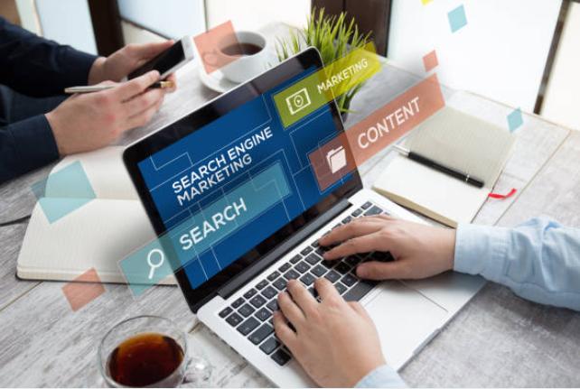Các công cụ tìm kiếm tìm kiếm gì khi xếp hạng các trang web?